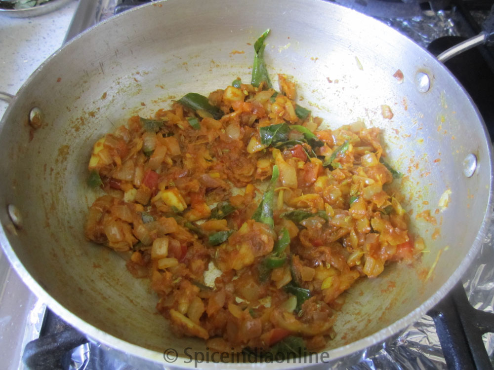 how to make vegetable kothu parotta