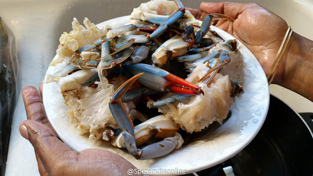 How to clean crab