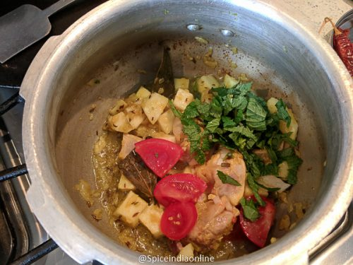 Kohlrabi Chicken Kurma