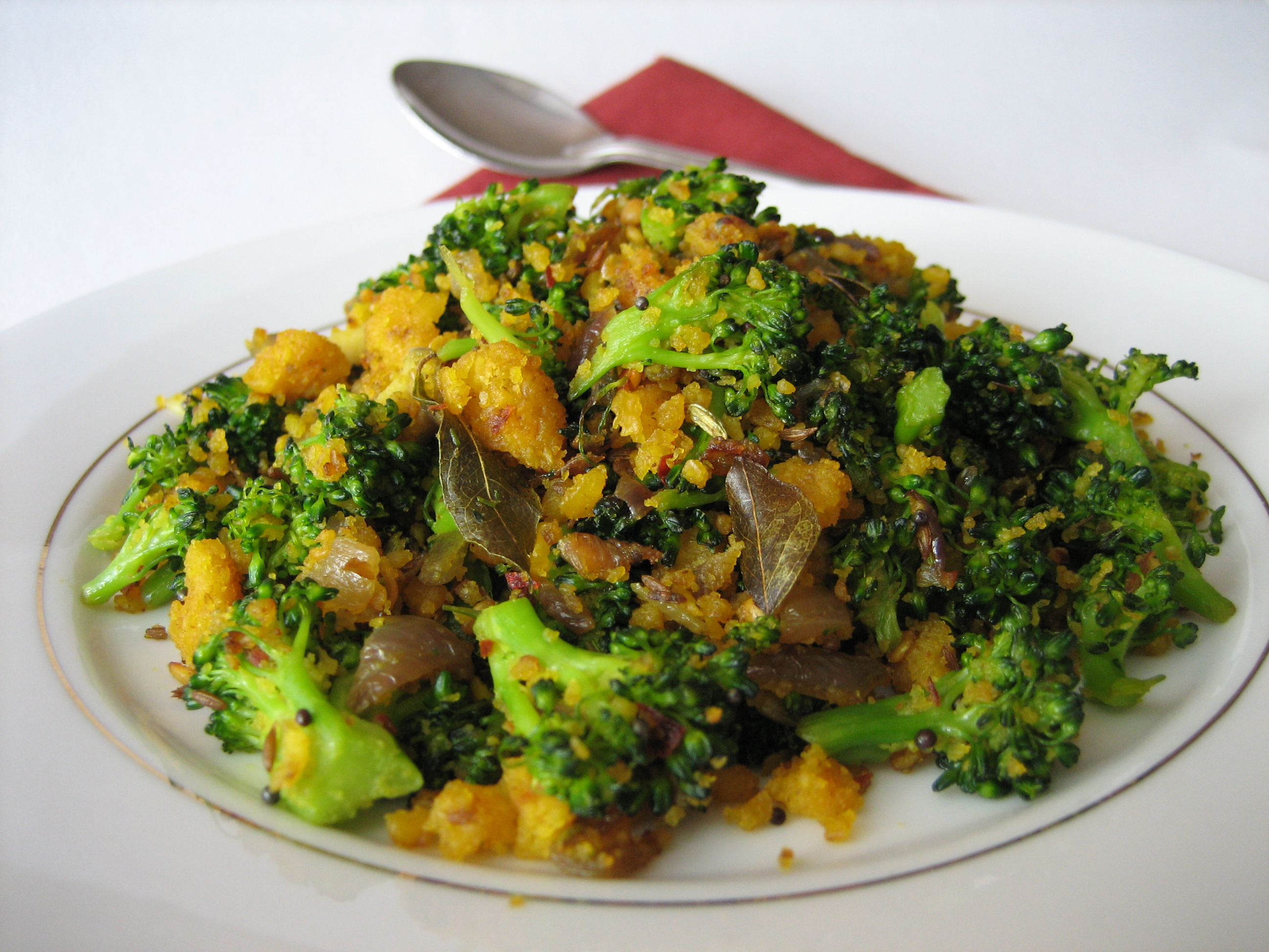 Broccoli-Paruppu-Usili