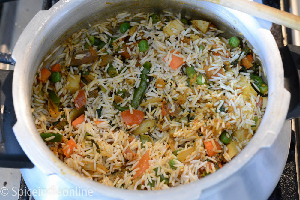 Kaikari biryani recipe chettinad vegetable biryani spiceindiaonline kaikari biryani chettinad vegetable biryani 6 forumfinder Image collections