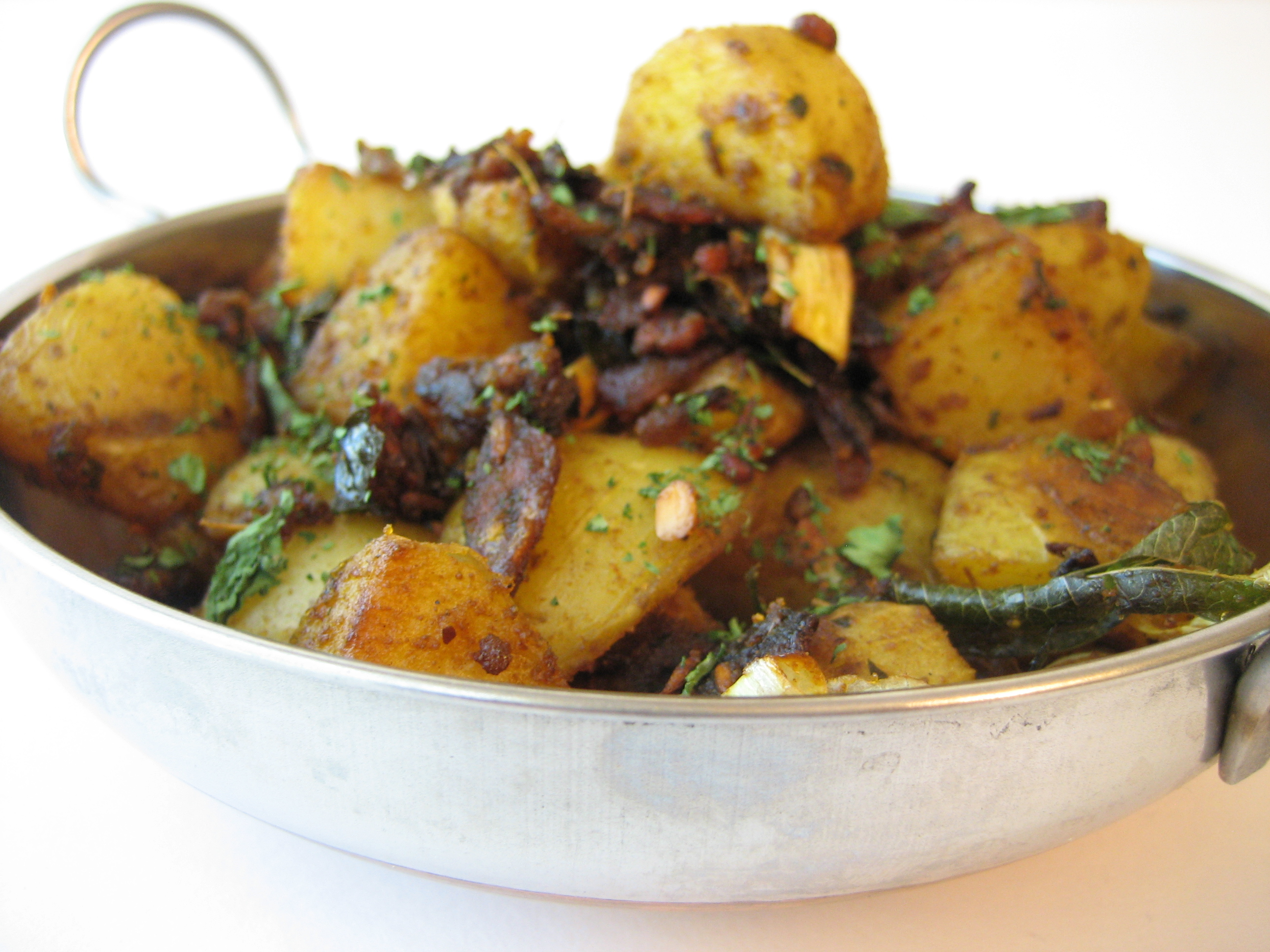 Pan-Roasted-Garlic-Potatoes