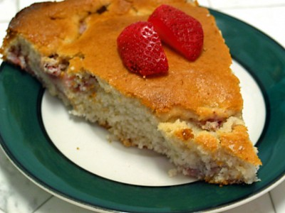 Strawberry cake (Eggless)